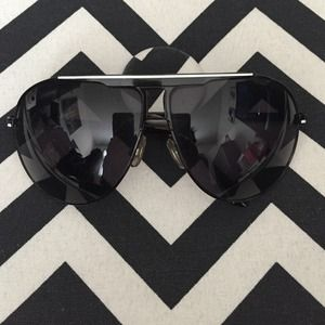 H&M Accessories - Black Aviator Style Sunglasses