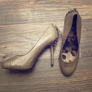 Sam Edelman metallic spike pumps!