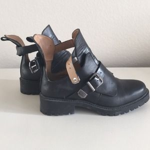 Zara TRF ankle boots (RARE)