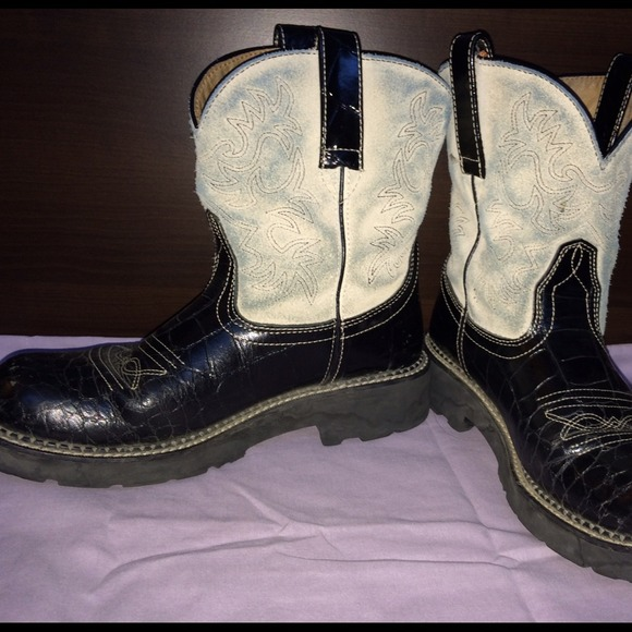 Ariat - Black and White Ariat Fatbaby boots from Fawn's closet on ...