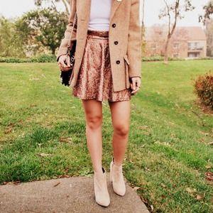 Dresses & Skirts - Light pink rose gold skirt