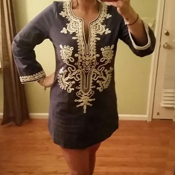 Theme Dresses & Skirts - 💥HOST PICK 💫 Fabulous embroidered Tunic