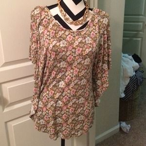 H&M Tops - HM flower print blouse