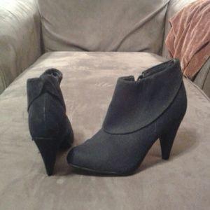 Black bootie boots/heels