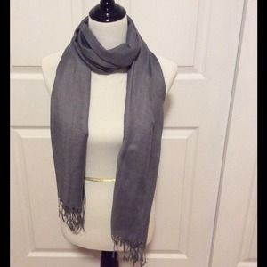 Light Gray Colored Pashima Style Scarf - NWOT 🌟