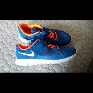 Nike Shoes | Youth Boys Nike Size 2 Big