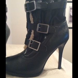 Three buckle strap boot