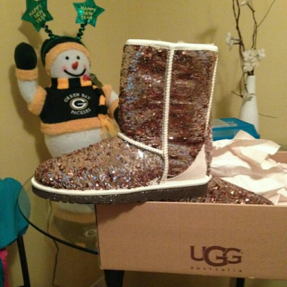 ⚡️FLASH SALE⚡ NWT Champagne Sequin UGG Boots