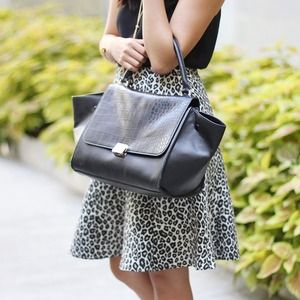 Chicwish Handbags - Celine Inspired Black Trapeze Bag