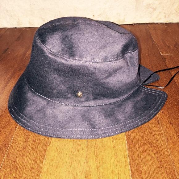 d770aac50044d Helen Kaminski Bucket hat. Navy