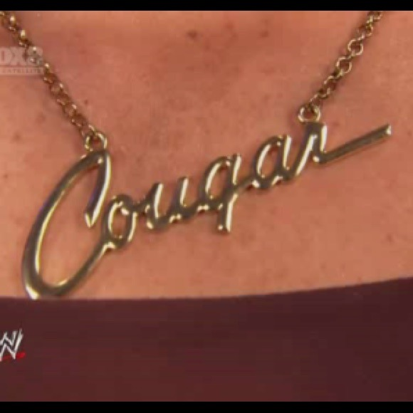 Vickie Guerrero Cougar Necklace 46% off Wwe Jew...