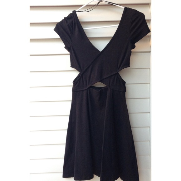 Brandy Melville Dresses - **SHORT SLEEVED VERSION** cut out dress NOT BRANDY