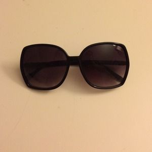 Black wide frame sunglasses