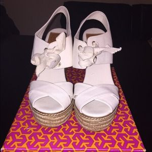 NIB Auth Tory Burch lace up espadrille wedge 8