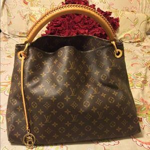 62% off YSL Handbags - YSL Down Town Tote Bag GM, Navy Blue Patent ...