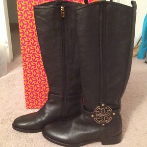 Tory Burch Black Leather boots with Gold