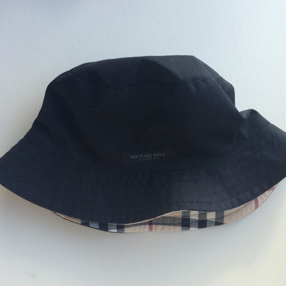aed956d71dc5a Burberry Accessories - Burberry Reversible Bucket Hat
