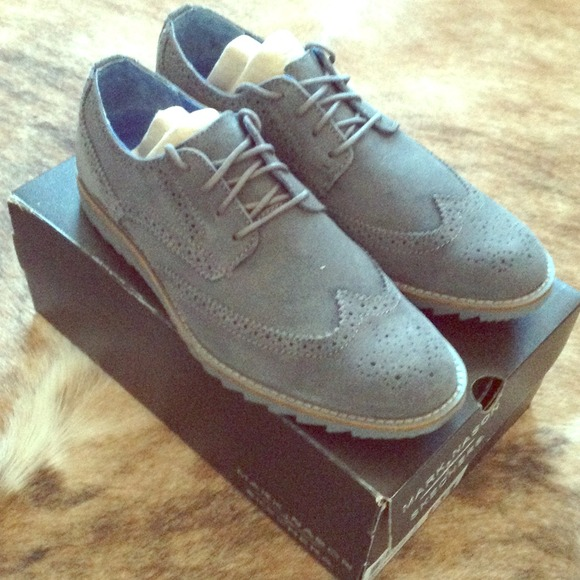 Wingtip Tennis Shoes