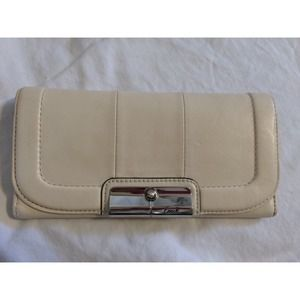 Coach Kristin Slim Leather Wallet (Parchment)