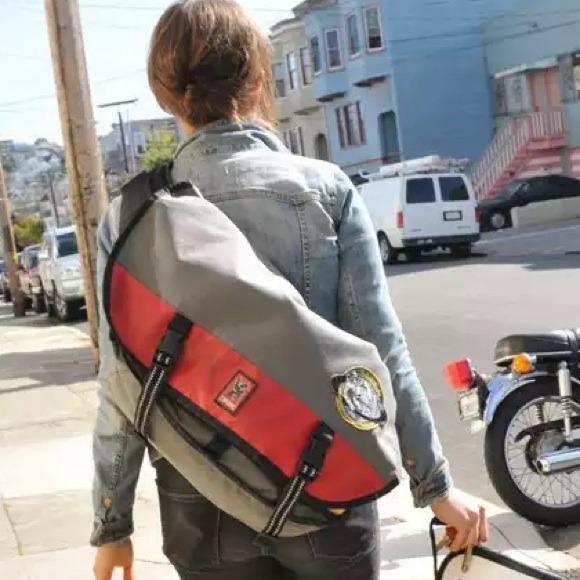 cc69c0c8d02f Chrome Industries Handbags - Chrome Citizen Messenger Bag Gray Red
