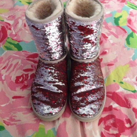 Sparkle sequin uggs size 9 silver to red and green