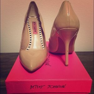 Betsey Johnson nude heels