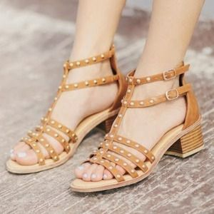 Shoe Dazzle Shoes - Shoedazzle studded sandals