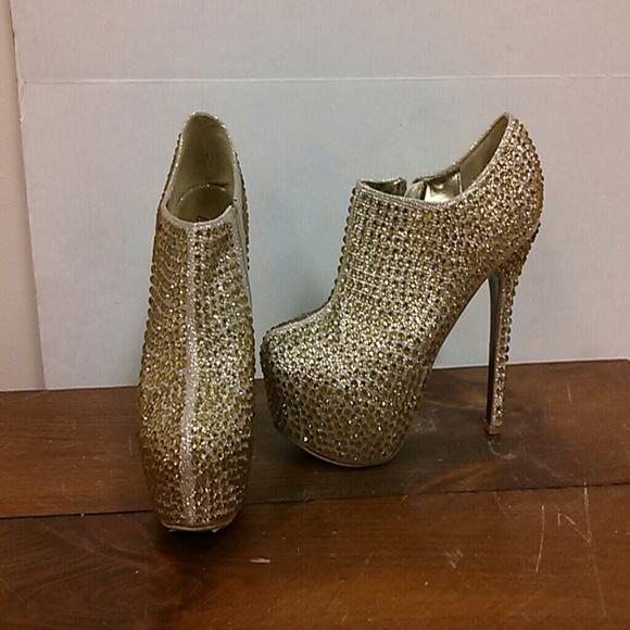 730edb9e5ba Bella Luna Shoes - Bella Luna gold diamond stiletto booties