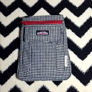 Handbags - Women's houndstooth KAVU limited edition bag.