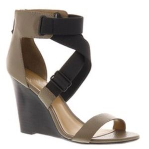 Report Signature Lionna wedge