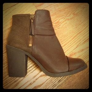 H&M brown booties!