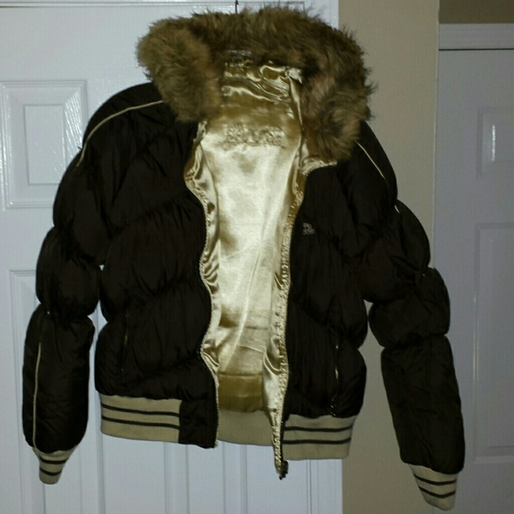 f0835c5dd53 Jennifer Lopez Outerwear - J-Lo reversible down jacket