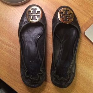 Tory Burch black & gold revas 8.5