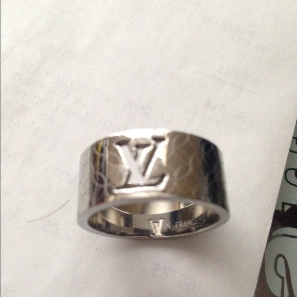 Louis Vuitton Accessories Mens Lv 11 Ring With Emblem