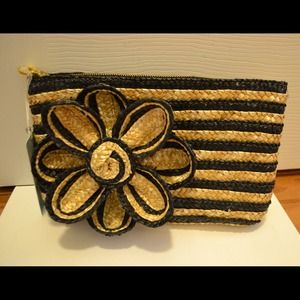NWT Mudpie black & white clutch