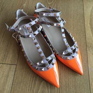 BNIB Valentino rockstuds caged flats fluo Orange