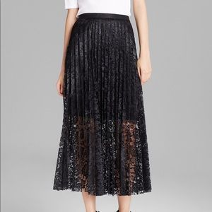 🛍HP🛍 Free People Black Pleated Maxi Lace Skirt