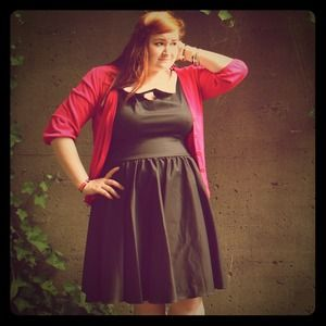 Queen of Heartz Dresses & Skirts - ⬇️ Black Retro Dress w/ Peter Pan Collar Plus Size