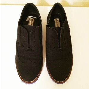 Steve Madden Oxfords with Blue Sole