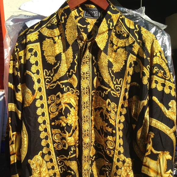 100e0399 Silk Versace button up long sleeve shirt. M_54ae5087bb27a41351033df8