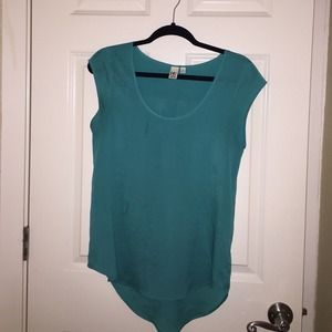 14th & union Tops - Blue silky top