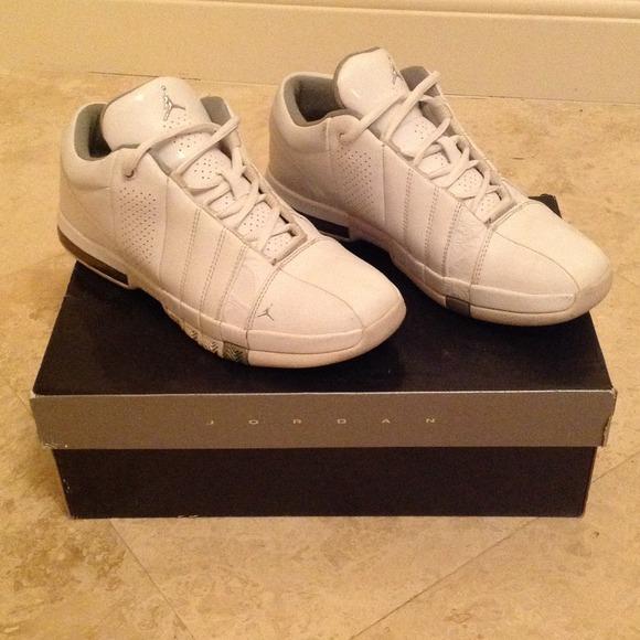 e92855923be Jordan Shoes | White Team Elite Low Gs | Poshmark