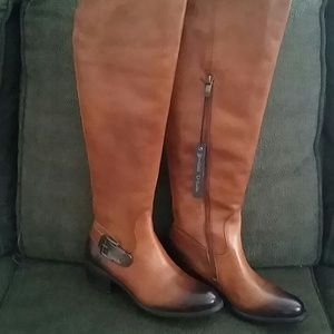 VINCE CAMUTO TALL LEATHER BOOT W/WIDE SHAFT
