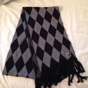 Guess scarf.