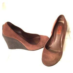 KORS Michael Kors Shoes - 🔥 SALE! Michael Kors Wedge Round Toe Pumps