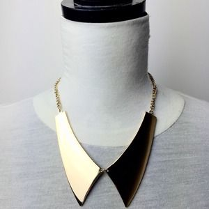 Forever 21 Gold Pointy Peter Pan Collar Necklace