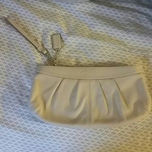 Coach clutch/wristlet (Large)