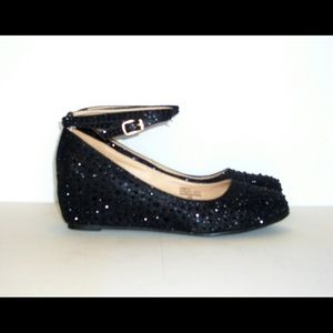 Shoes - Ankle strapped glitter wedges