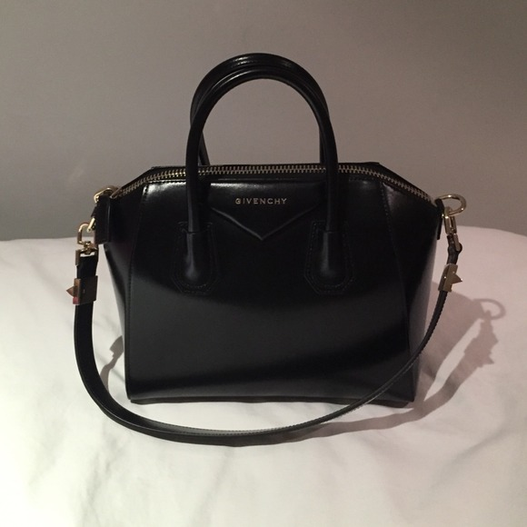 Givenchy Handbags - Small AUTHENTIC Givenchy Antigona smooth leather 8eb0a9213718a