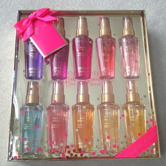 Victoria S Secret Accessories Hold Victoria Secret 10